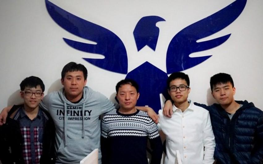 Çinli geymerlər 9,1 milyon dollar qazanmaqla Ginnesin Rekordlar Kitabına düşüb