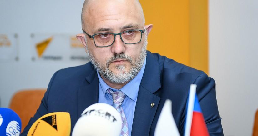 Russian expert: Azerbaijan should respond harshly to Armenia's attacks