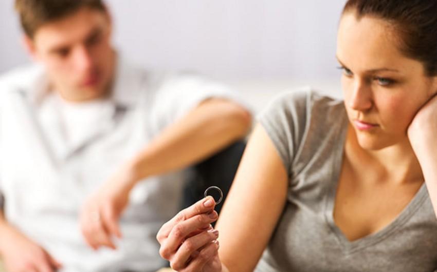 Azərbaycanda boşanmaların əsas səbəbləri açıqlanıb