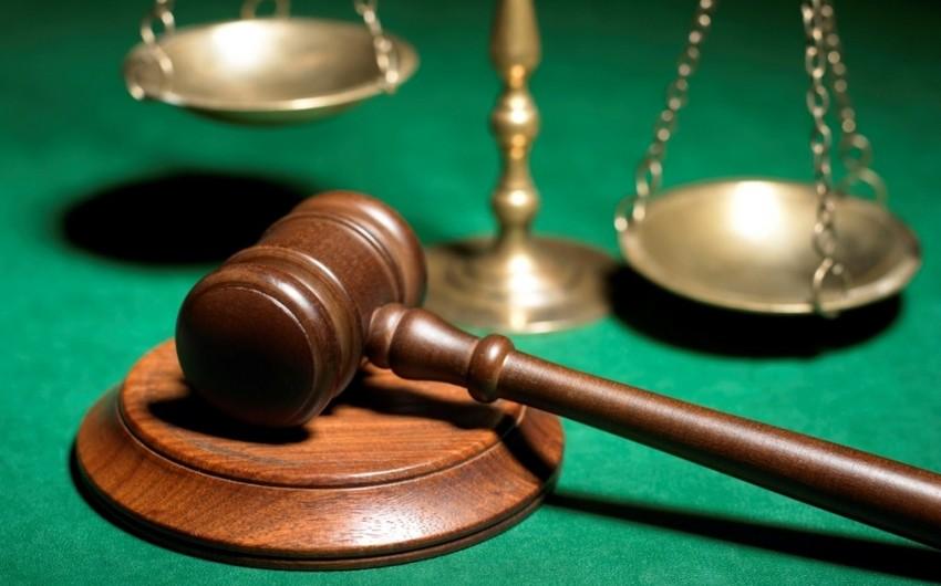 В Баку огласили приговор лицам, вымогавшим у женщины деньги путем угроз