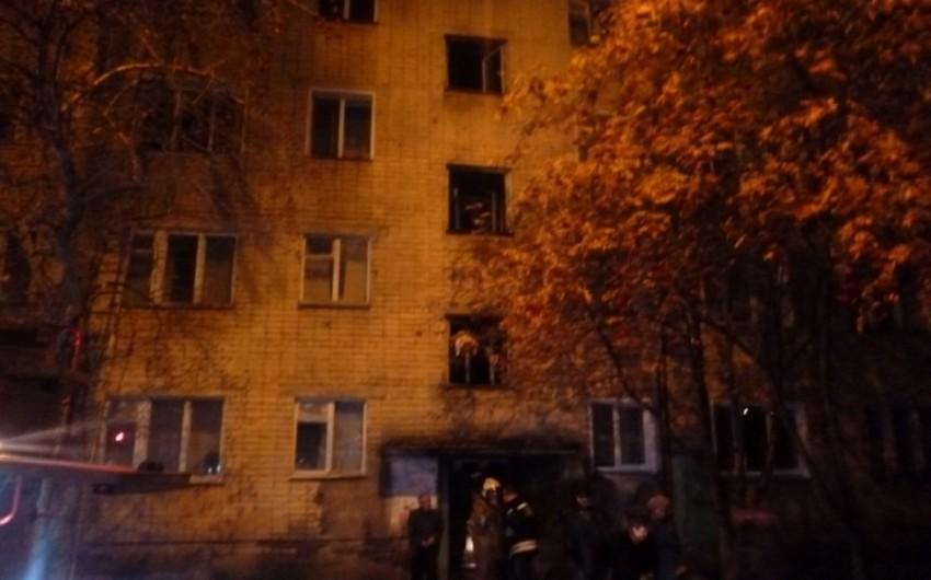 В Баку 16-летний юноша выбросился с 5-го этажа