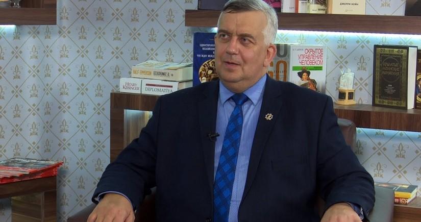 Rusiyalı politoloq Ermənistandakı böhranla bağlı hesabat hazırlayıb