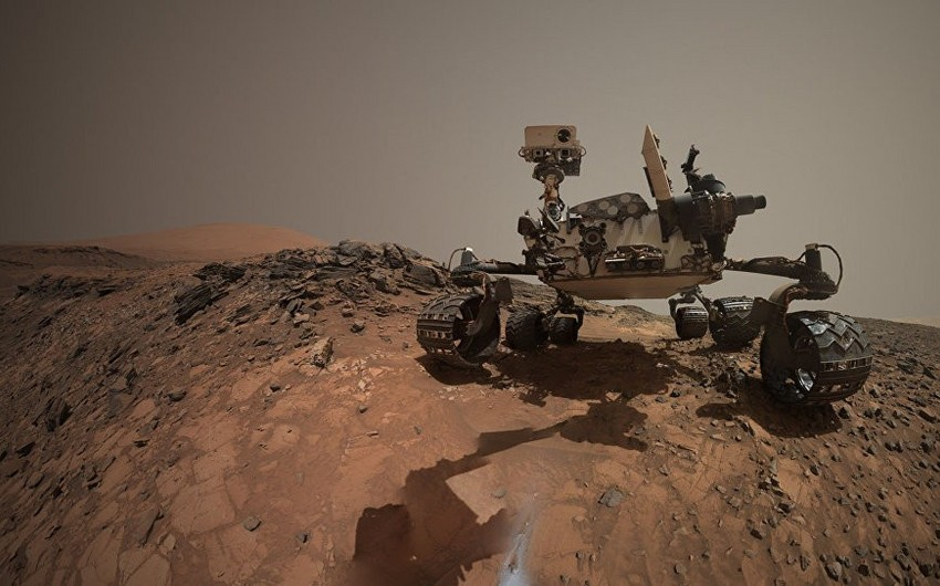 Marsda parlayan naməlum cism tapılıb - FOTO