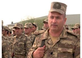 Азербайджанский военнослужащий:Мы ждем приказа, чтобы продвинуться вперед