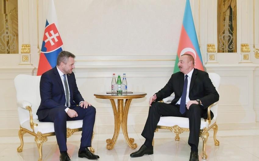 İlham Əliyev Slovakiyanın Baş naziri Peter Pelleqrini ilə görüşüb