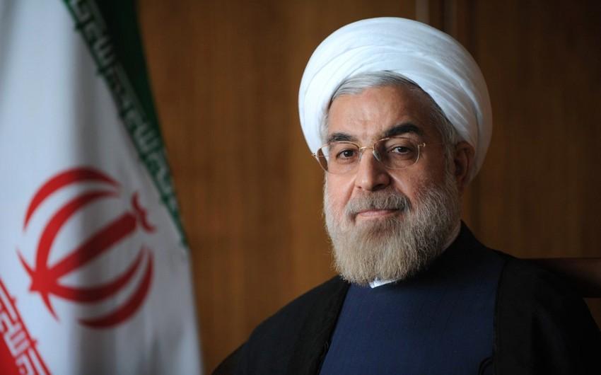 İran prezidenti Azərbaycana rəsmi səfərə gəlib