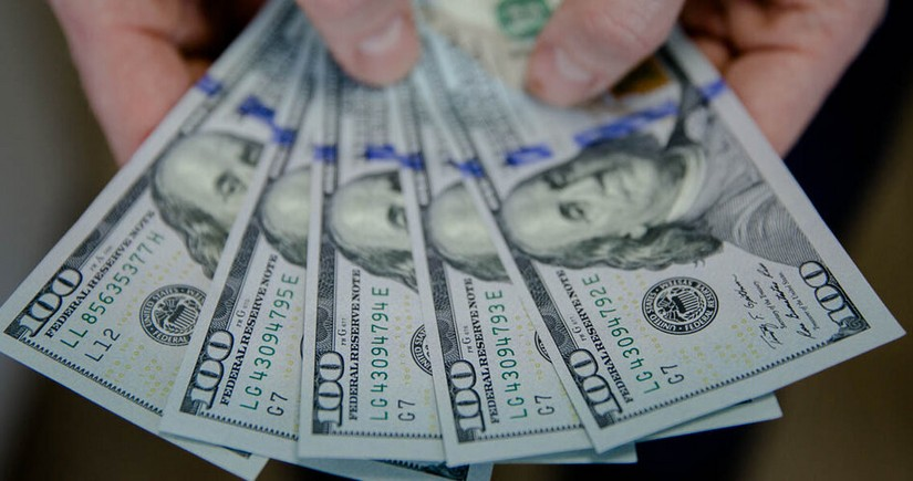 Dollar ABŞ-ın əmək bazarı üzrə zəif statistikası fonunda ucuzlaşır