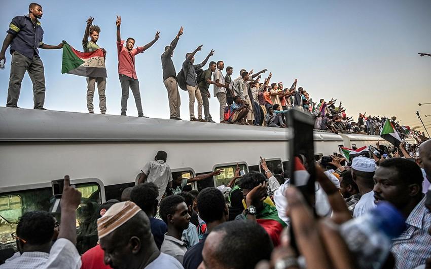 Sudan müxalifəti ümumi tətil elan edib