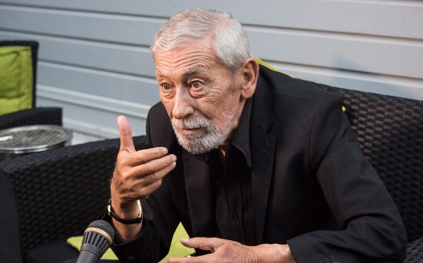 Vaxtanq Kikabidze Gürcüstan müxalifətinin seçki siyahısına başçılıq edir