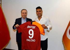 Qalatasarayın prezidenti Falkaonun transferinə görə peşmandır