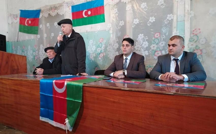 Deputatlığa namizəd Seymur Bayramov seçicilərlə görüşüb