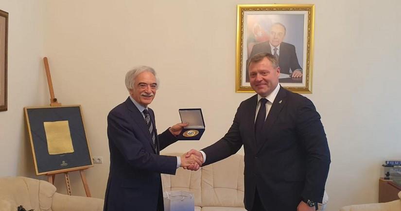 Polad Bülbüloğlu qubernatora iyul hadisələri barədə məlumat verib