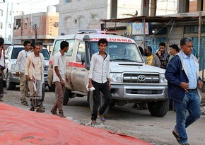 При взрыве на заправке в Йемене ранены десятки человек, есть погибшие