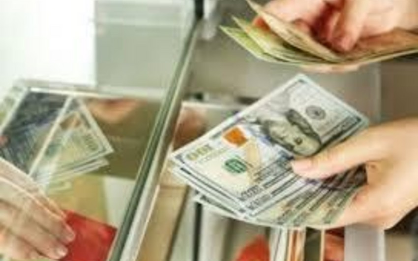 Yarım il ərzində miqrantlar Rusiyadan Azərbaycana 400 milyon dollardan çox pul köçürüb