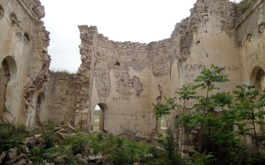 Армянский вандализм по отношению к единственной церкви РПЦ на территории Карабаха