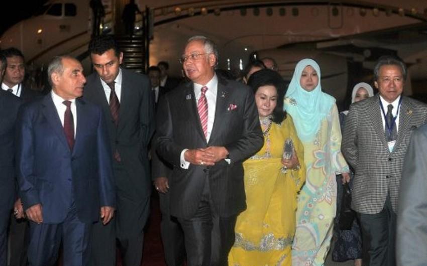 Премьер-министр Малайзии прибыл в Азербайджан