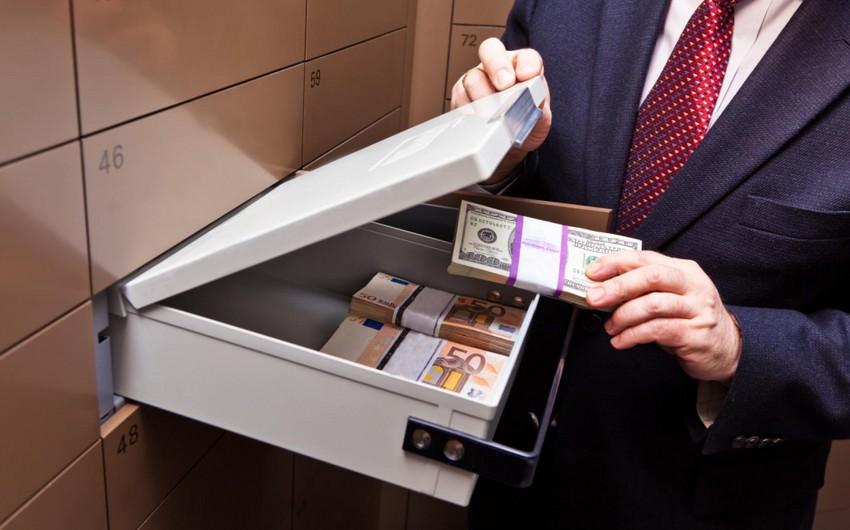 Azərbaycan banklarına əmanət qoyuluşu azalıb