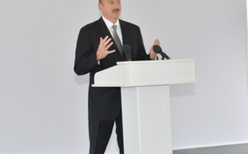 Prezident İlham Əliyev Azərbaycan Beynəlxalq Müdafiə Sənayesi sərgisi ilə tanış olub