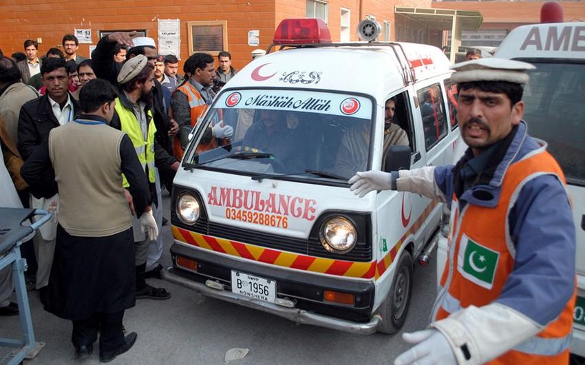 At least 36 killed, 50 injured in Pakistan train crash