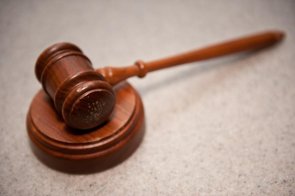 В бакинском суде 70-летний пострадавший потребовал у грабителей компенсацию
