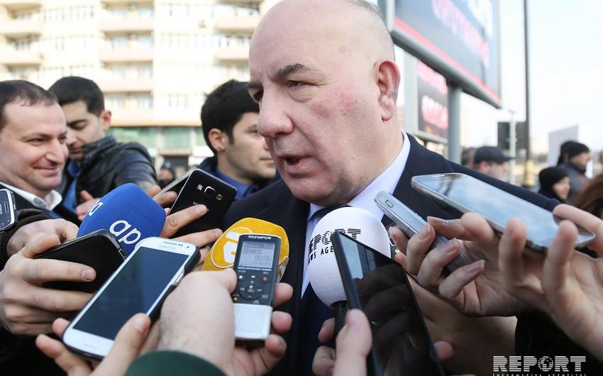 Elman Rüstəmov: Bank sektoru sabit deyil