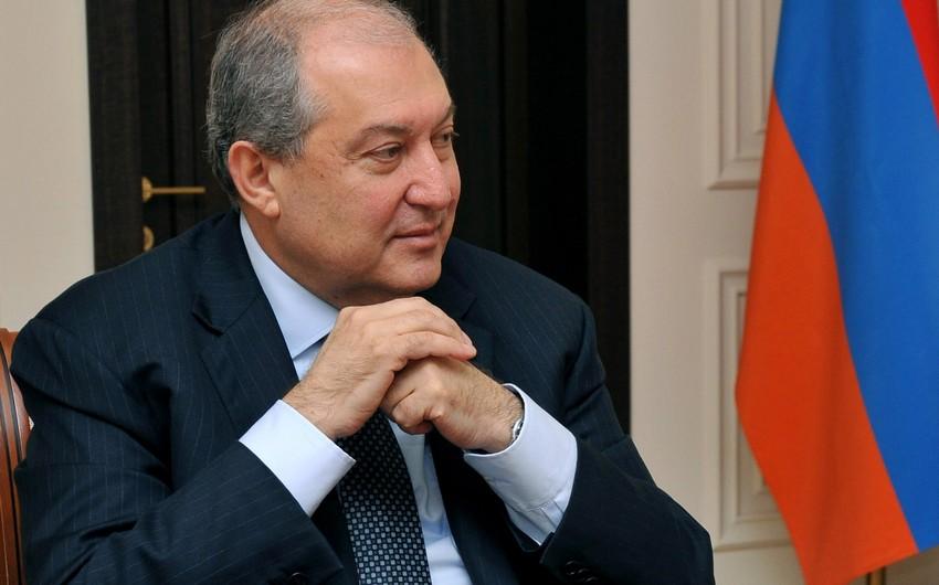Rusiya KİV: Ermənistan prezidenti Moskvaya qısamüddətli səfər edib
