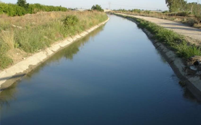 Bərdə sakini su kanalında çimərkən boğulub