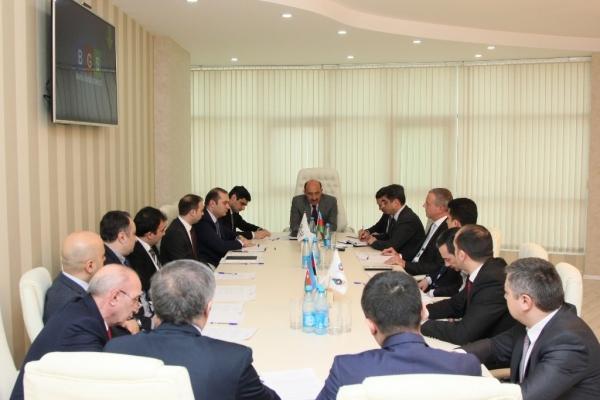 Abulfas Garayev meets representatives of Azerbaijan's tourism industry