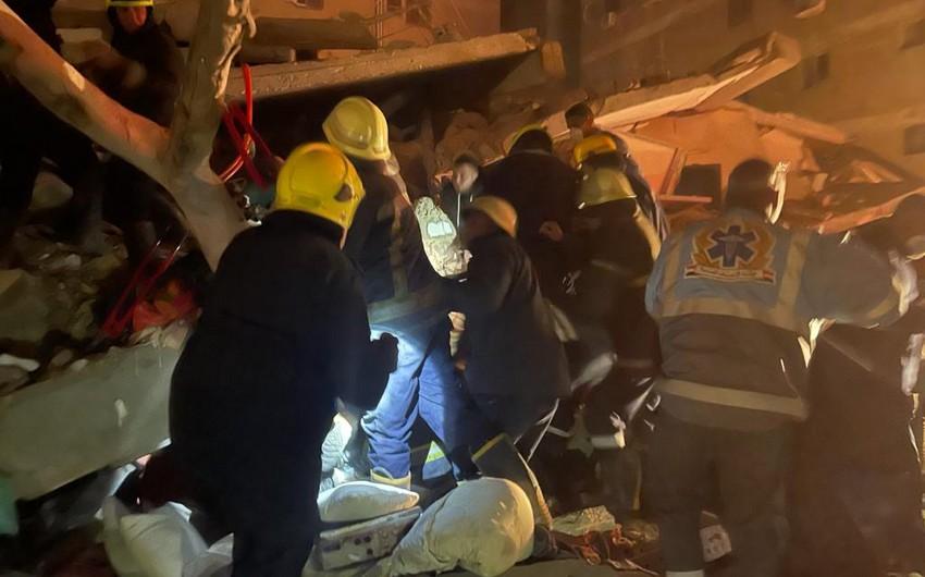 В Египте обрушился 10-этажный дом, есть погибшие и раненые