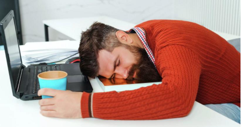 Врач рассказала, как отличить опасный синдром от усталости