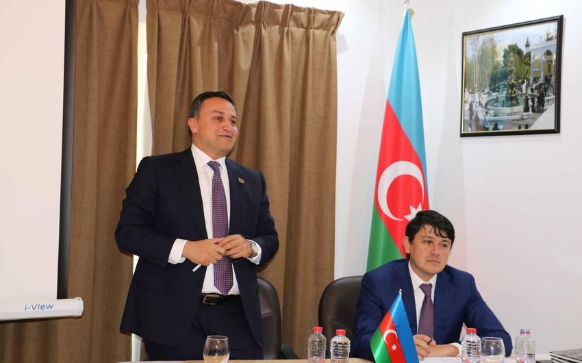 Fuad Muradov Dubayda yaşayan azərbaycanlıların problemlərini dinləyib