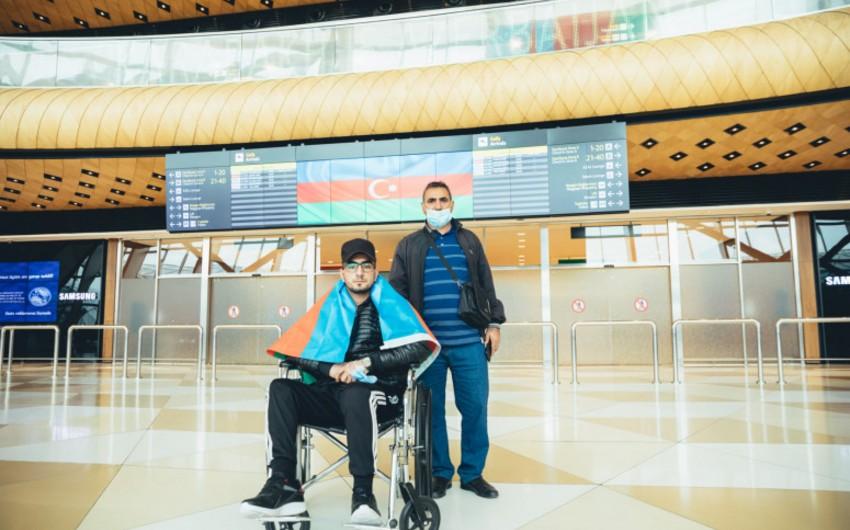 Отправленные Фондом YAŞAT на лечение в Турцию ветераны вернулись в Азербайджан