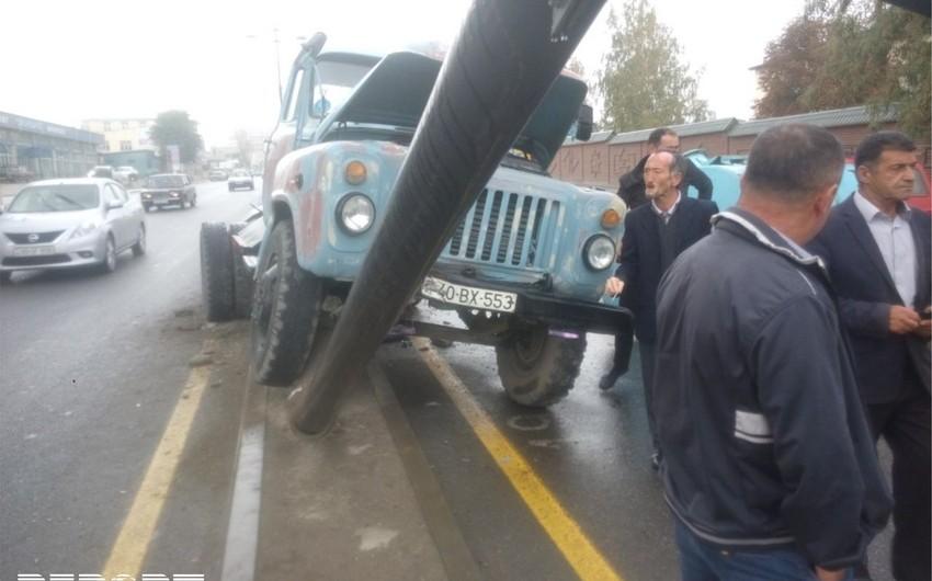Quba rayonunda su daşıyan avtomobil qəza törədib - FOTO
