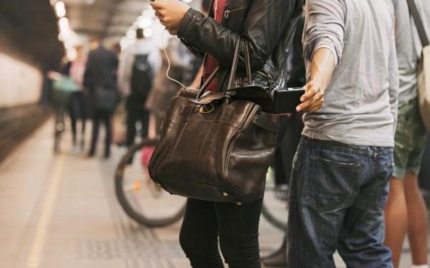 """Metronun """"28 May"""" stansiyasında cibgirlik edən şəxs saxlanılıb"""