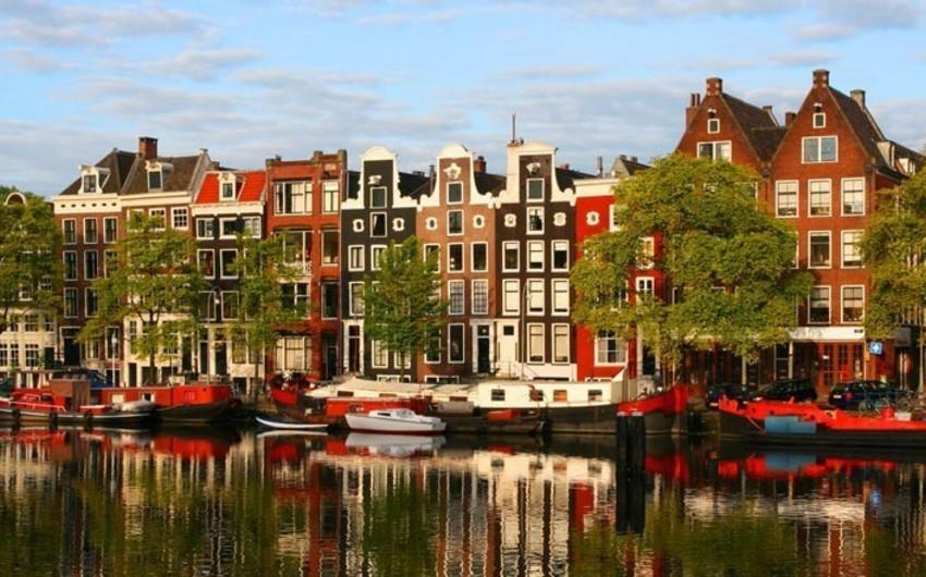 Hollandiya rəsmən Niderland adlandırılıb