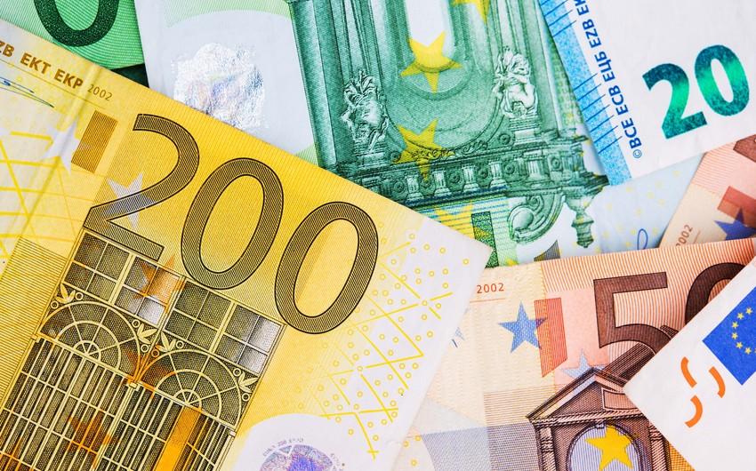 Azərbaycan banklarına xarici valyuta ilə depozit qoyuluşu 8% azalıb
