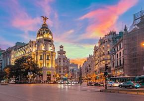 Madriddə Ermənistan səfirliyinin binası önündə etiraz aksiyası keçirilib