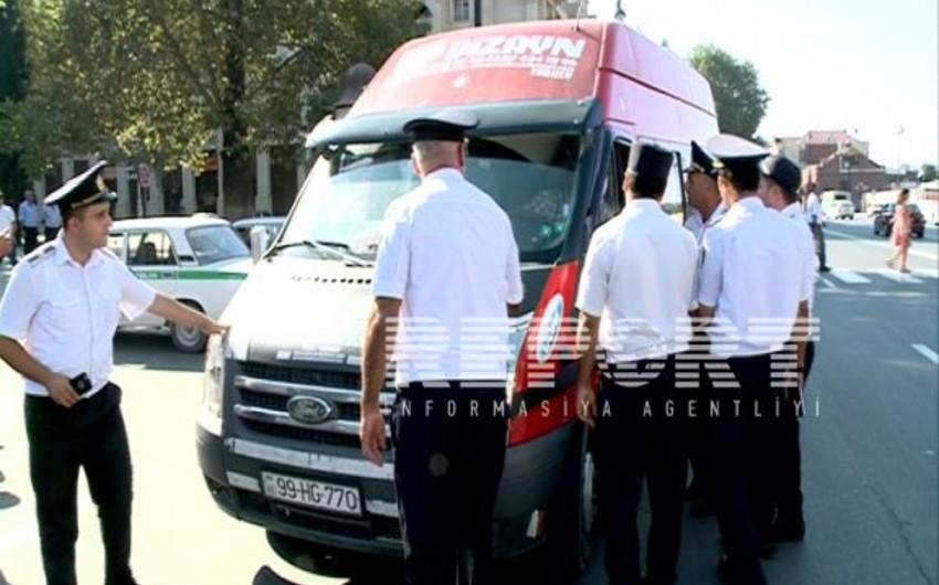 Gəncədə qanunsuz taksi fəaliyyəti göstərən sürücülərə qarşı reyd keçirilib - FOTO