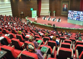 Turkmenistan hosts int'l media forum with political scientists and journalists