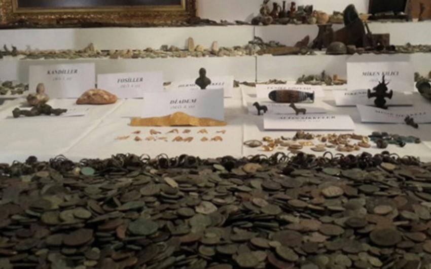 İstanbulda qaçaqmalçılardan 26 mindən çox antik əşya müsadirə edilib