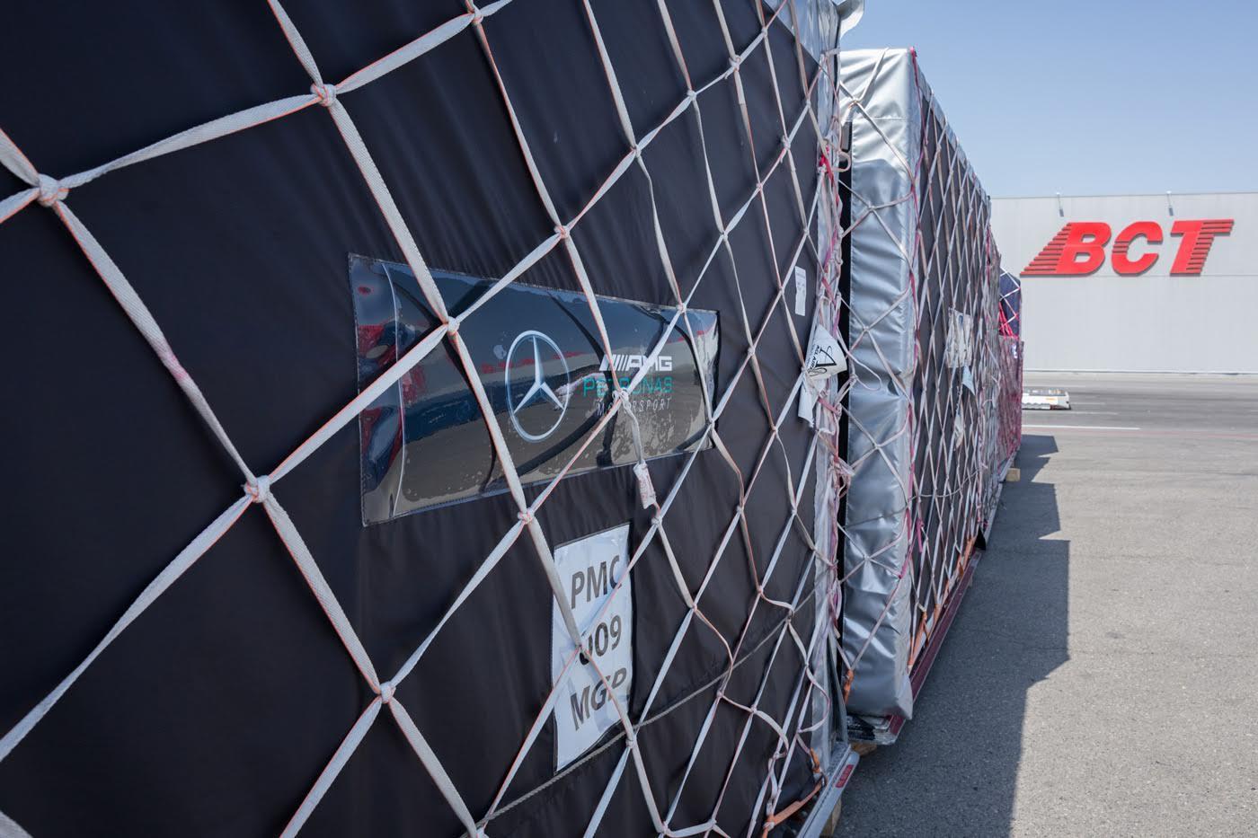 В Баку доставлены грузы для проведения Гран-при Формулы-1