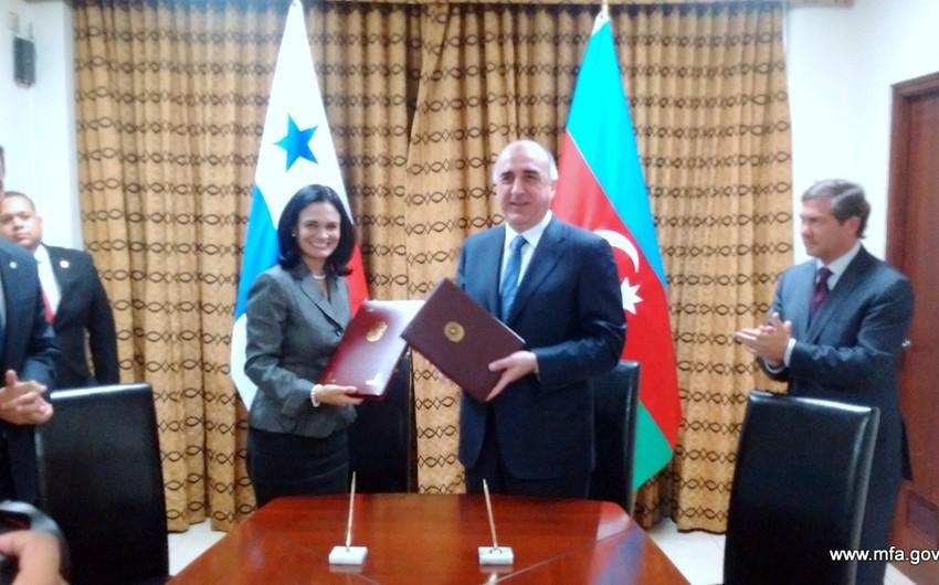Азербайджан и Панама подписали меморандум о взаимопонимании