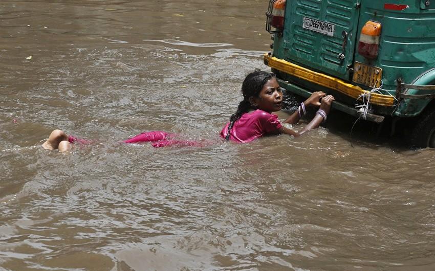 Hindistanda daşqınlar nəticəsində 37 nəfər ölüb