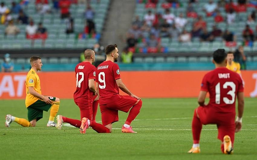 Futbolçular Bakıda irqçiliyə qarşı çıxdı