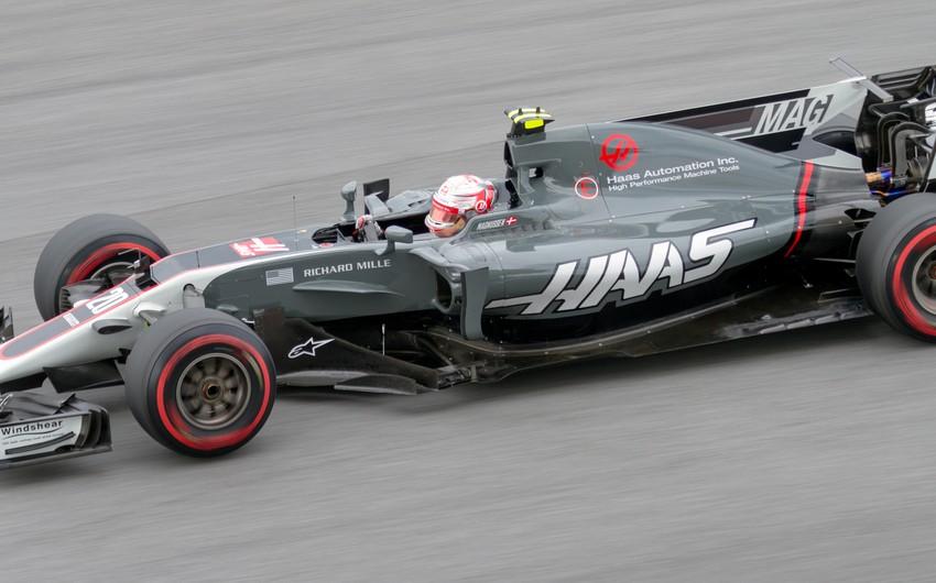 Formula 1 komandası iki pilotu ilə vidalaşır