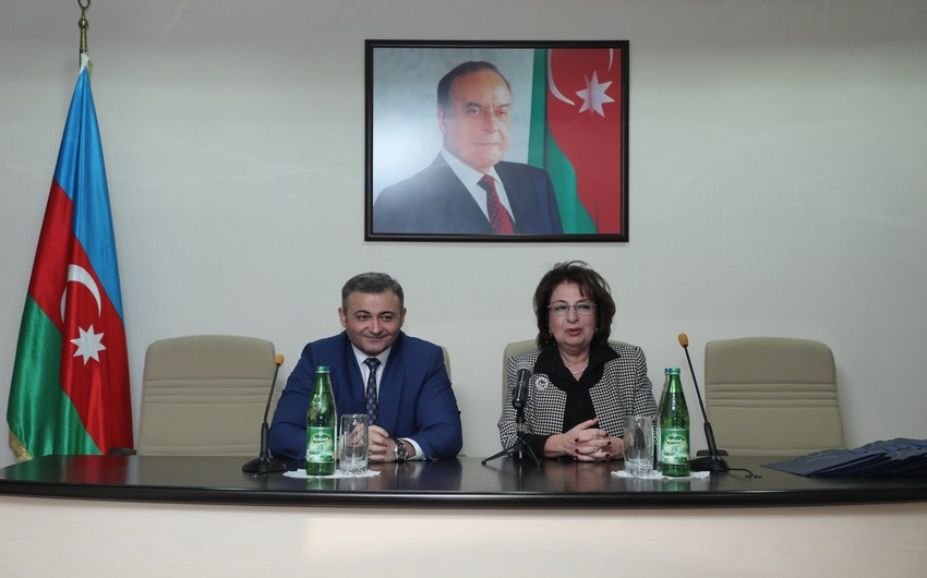 AzTV-də kollektivlə toplantı keçirilib - FOTO