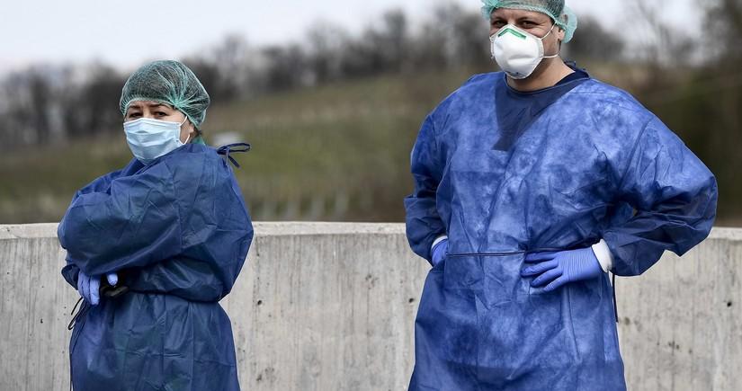 Испанские медики в разгар пандемии начали забастовку