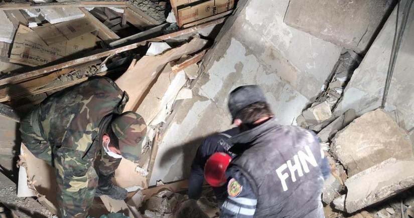 В Хырдалане произошел взрыв, из-под завалов извлекли тело одного человека