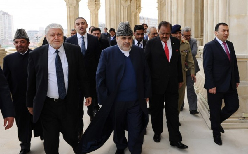 Pakistan Prezidenti Heydər məscidi ilə tanış olub