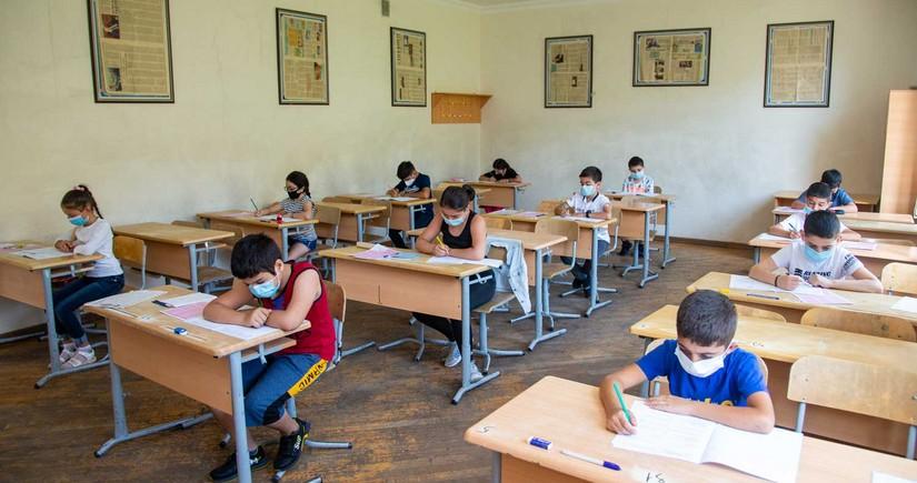 Родители посещающих и не посещающих школу учеников дадут расписку